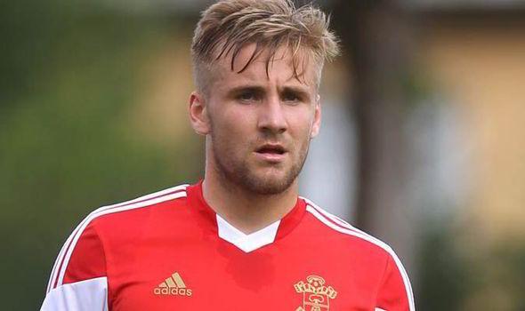 Luke Shaw Senang Dapat Dukungan Louis Van Gaal